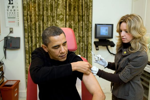 H1N1 vaccine to President Barack Obama at the White House on Sunday, Dec. 20, 2009 (1) / Wikimedia Commons
